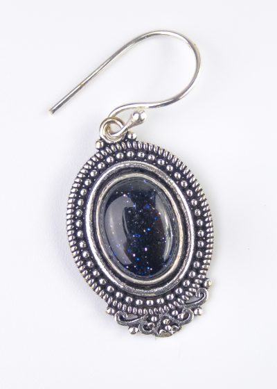 Orientalischer Ohrring mit schwarzem Stein