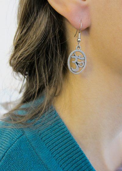 Ohrring mit Om zeichen fairtrade