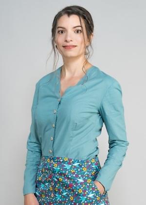 Nachhaltige Bluse ohne Kragen von green size