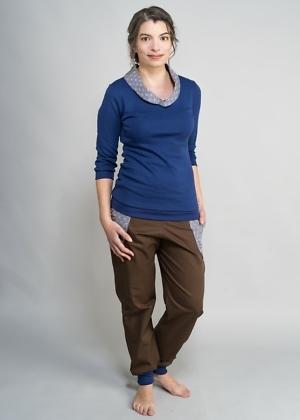 Öko Pulli mit Kragen und Jeans in braun von green size