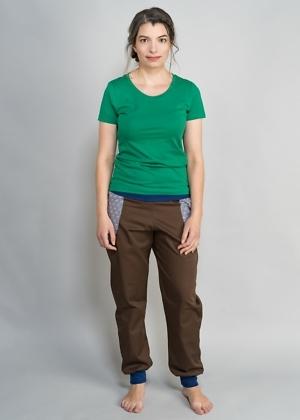 Basic T-Shirt grün und Bio Jeans von green size