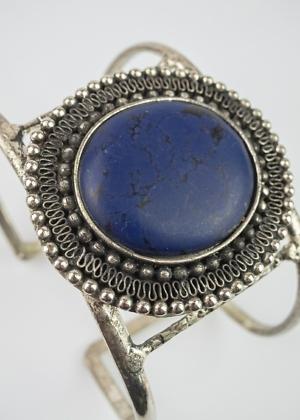 Armreifen aus Indien mit blauem Stein